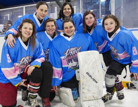 Queens of the Pond gekroond op Indoor Pond Hockey Classic Ladies Edition!