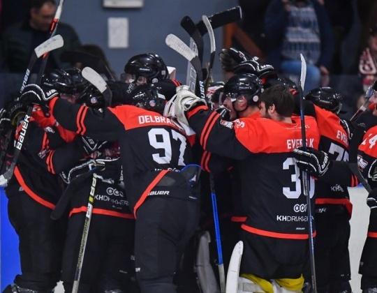Oproep aan de Belgische pers: Wens je sensatie te brengen over ijshockey?  Focus dan a.u.b. op spectaculaire doelpunten!
