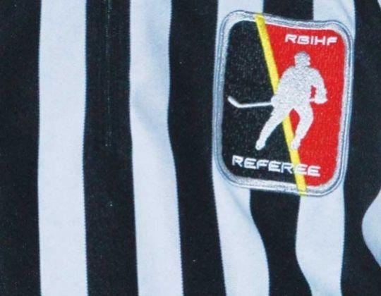 Belgische ijshockey scheidsrechter starten het seizoen.